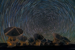 ESO Whirling Southern Star Trails over ALMA potw1253a