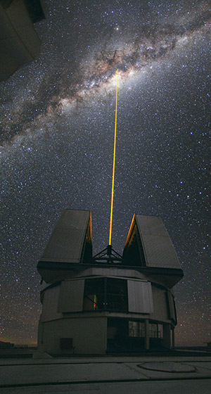 ESO potw1036a - A Laser Beam Towards the Milky Way's Centre